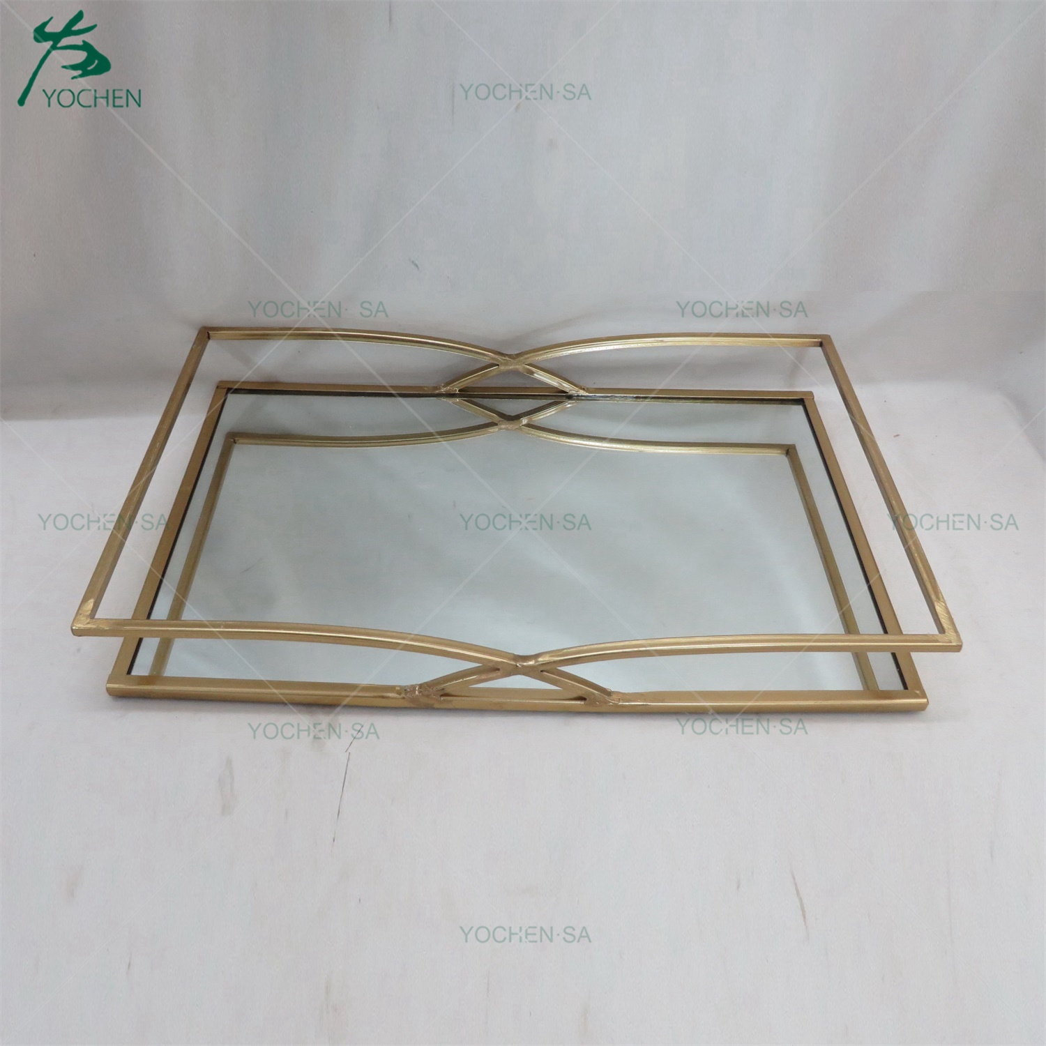 Gold Electroplated Metal Mirrored Tray in Round